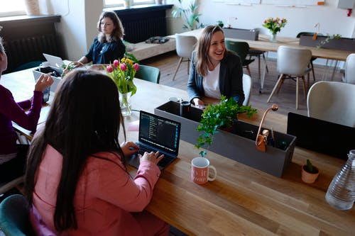 Reasons Why People Flourish More in a Coworking Office