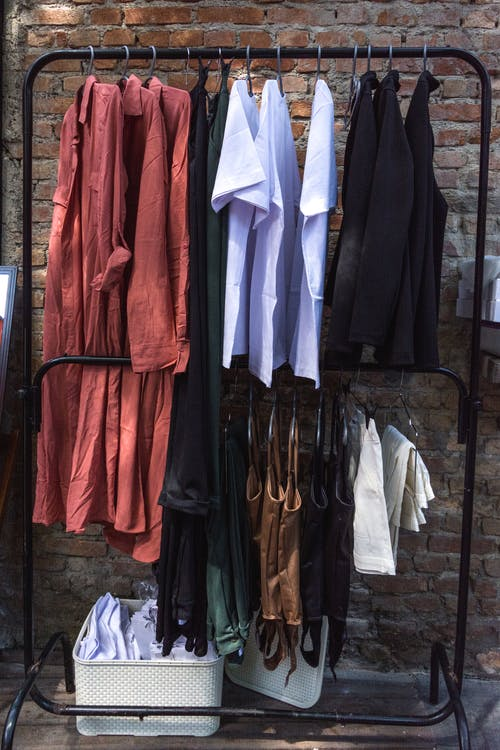 Essential tips to remember when choosing the best clothing brand